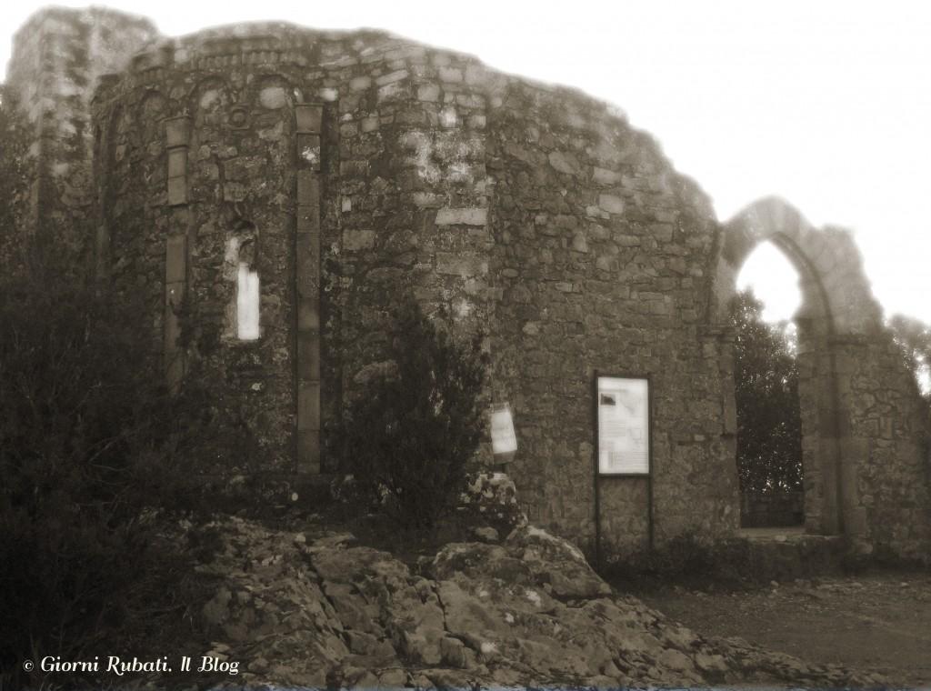 le rovine del Romitorio di Sant'Antonio Abate