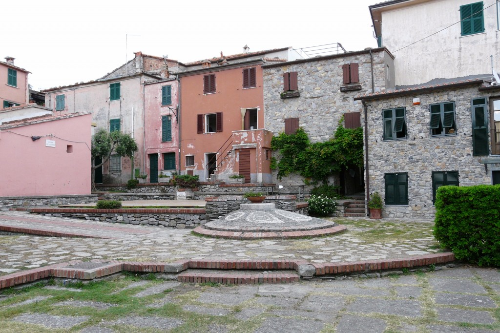 montemarcello (SP), piazzetta