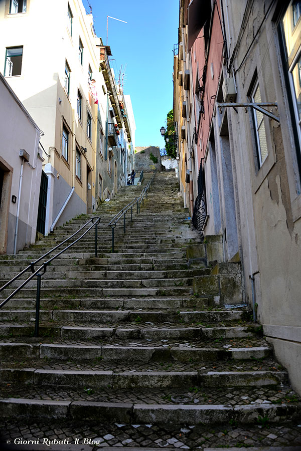 Lisbona, la Mouraria: salendo al Miradouro