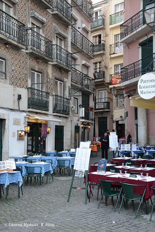Alfama: ristorantini nei vicoli