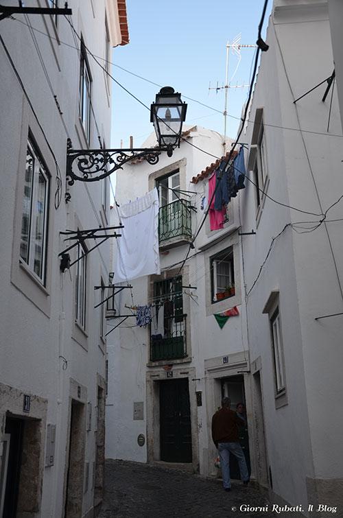 Dritti al cuore di Lisbona: La Mouraria e l'Alfama