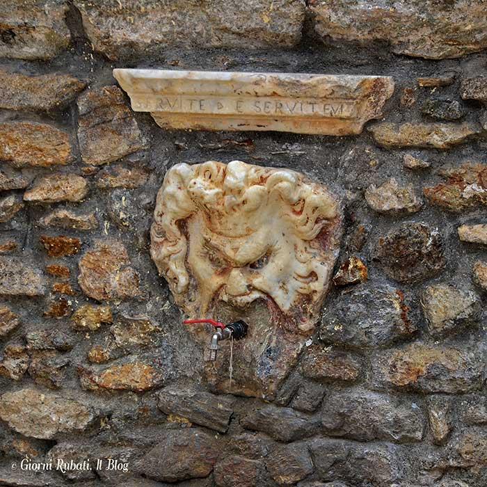 Antona, piazza San Rocco, fontana seicentesca