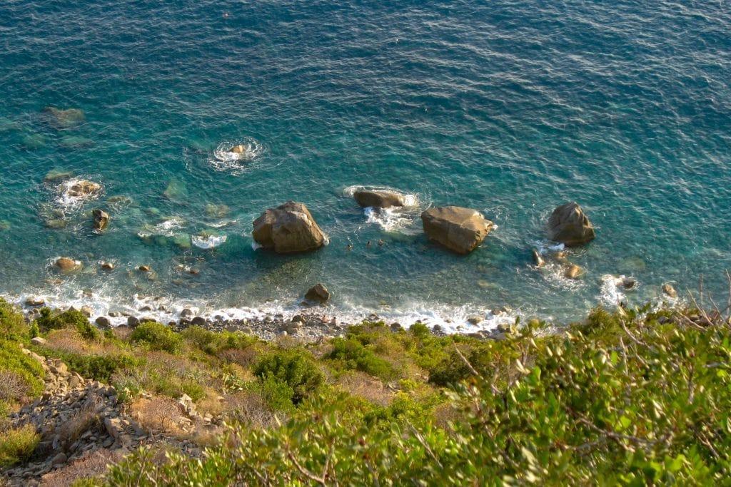Spiaggia di Navone vista dal sentieor