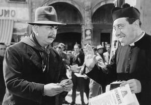 I mitici Don Camillo e Peppone a Brescello