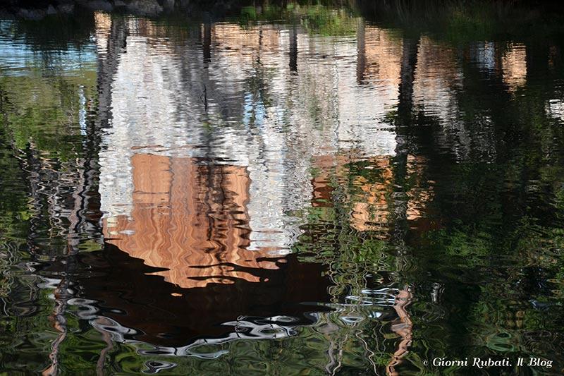 Fondo, Val di Non: lago Smeraldo, riflessi