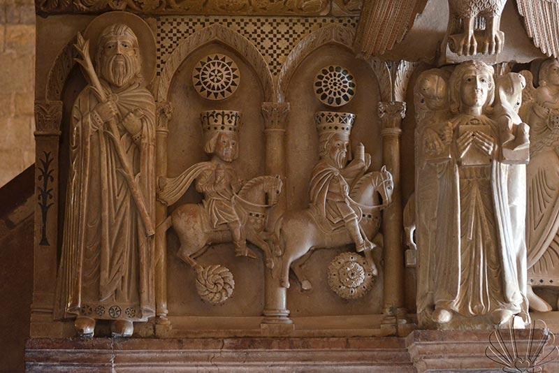 Barga, Duomo di San cristoforo, particolare del pulpito con scene del Nuovo Testamento
