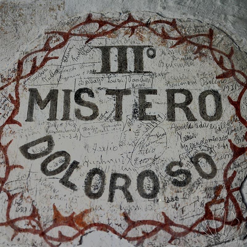 Santuario San Romedio, val di Non, misteri sulle mura