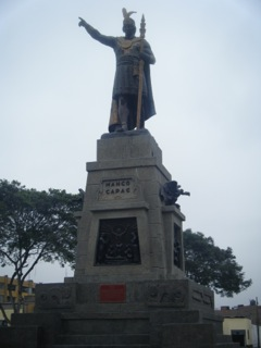 Monumento a Manco Capac. Ph www.mescalinablog.it