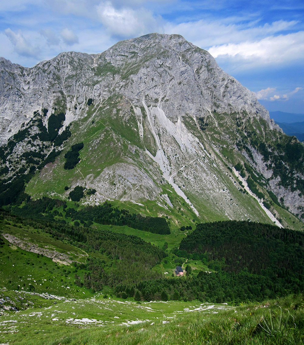 Quando la montagna abbraccia il mare: Alpi Apuane, Toscana