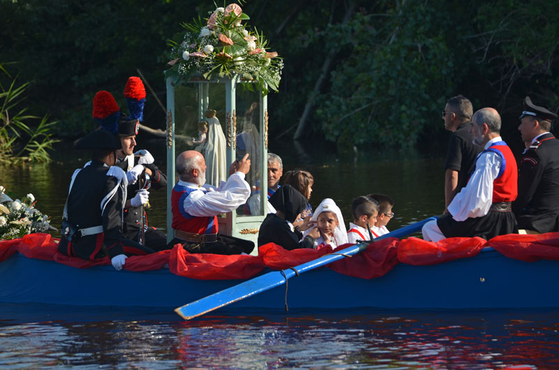 Orosei, Santa Maria 'e Mare, la barca conla statua votiva