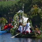 Santa Maria 'e Mare, Orosei e lo spettacolo delle barche infiorate sul fiume