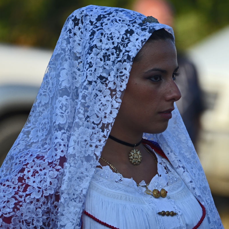 Orosei, festa Santa Maria 'e Mare, dettaglio dell'abito femminile