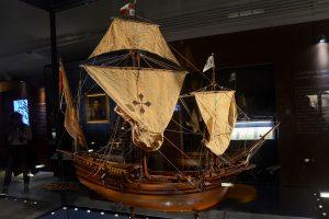 Museo del mare di Genova. veduta di una caravella di cristoforo Colombo