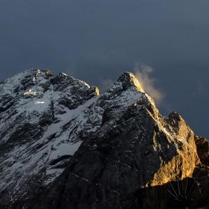 Val di Fassa:le vette dolomitiche si stagliano alle spalle di Canazei