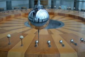 Un mito dell'evoluzione del pensiero umano: il pendolo di Foucault. Valencia, Museo della Scienza Principe Felipe