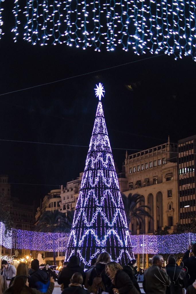 Piazza de l'Ayuntamento con albero di Natale e pista di pattinaggio, Valencia