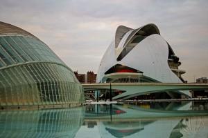 Uno dei complessi urbani più stupefacenti al mondo si trova a Valencia: Città delle Arti e delle Scienze di S. Calatrava