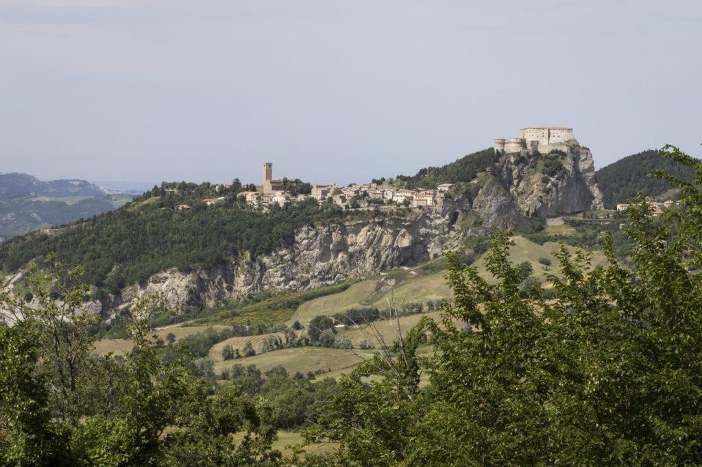 Panoramica del borgo di San Leo