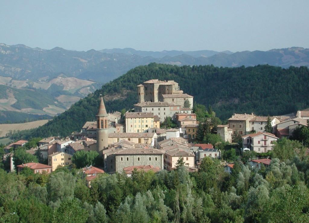 Sant'Agata Feltria è 1 dei 7 nuovi comuni della provincia di Rimini ed è anche il paese del Natale per il suo famoso mercatino natalizio
