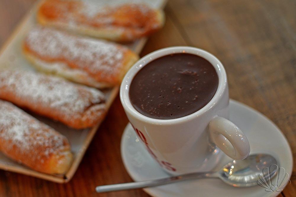 Cioccolata calda, d'inverno, al Mercado de Colòn per ricaricare le giornata!