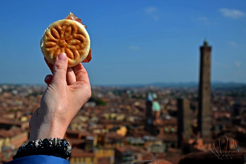 Connubio perfetto: eccellenze gastronomiche e panorama indimenticabile! Torre Prendiparte, Bologna