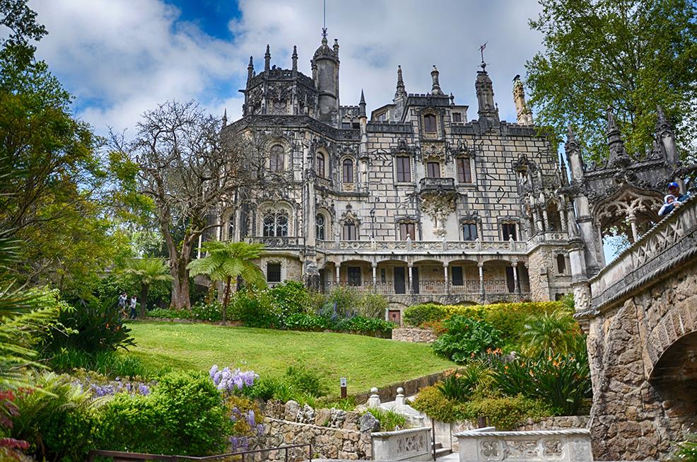 Viaggio sotto-sopra a Sintra (Portogallo): la Quinta da Regaleira