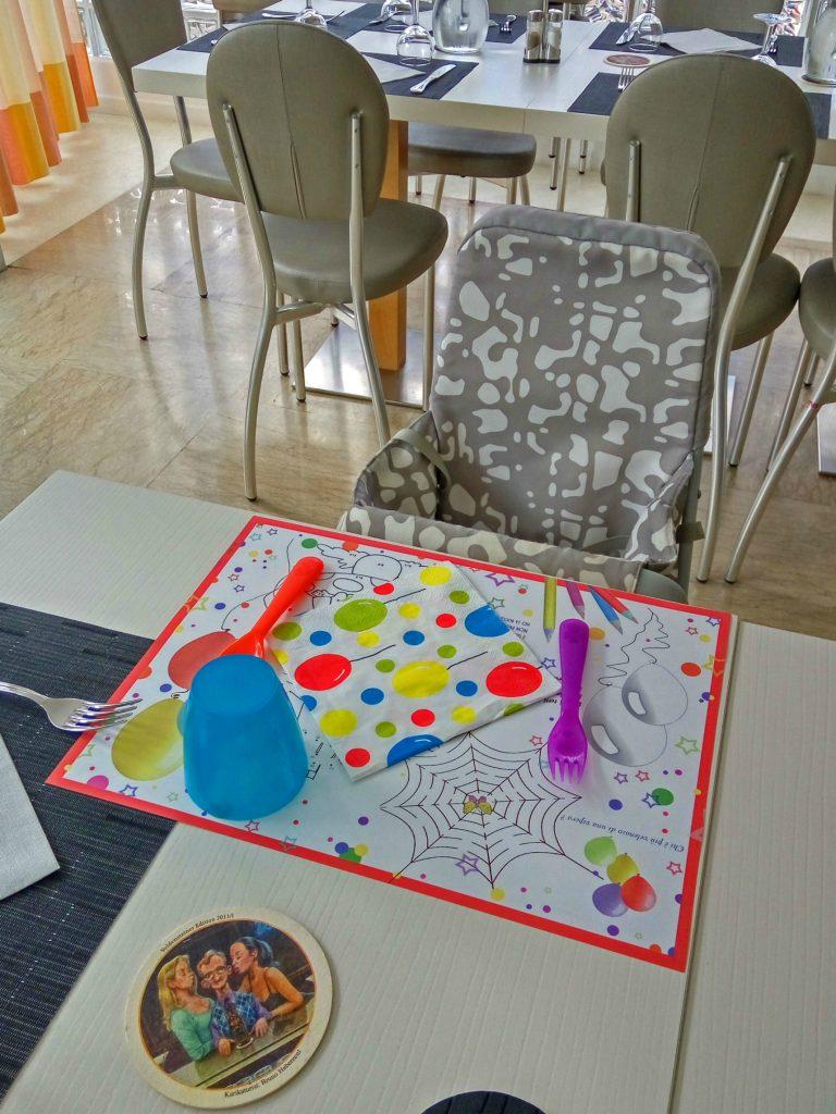 Il seggiolone e la tavola colorata per il nostro piccolo all'hotel San Salvador