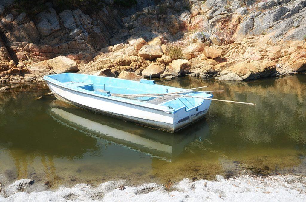 Anche Cala Liberotto, come molte spiagge di questa zona, custodisce un piccolo stagno