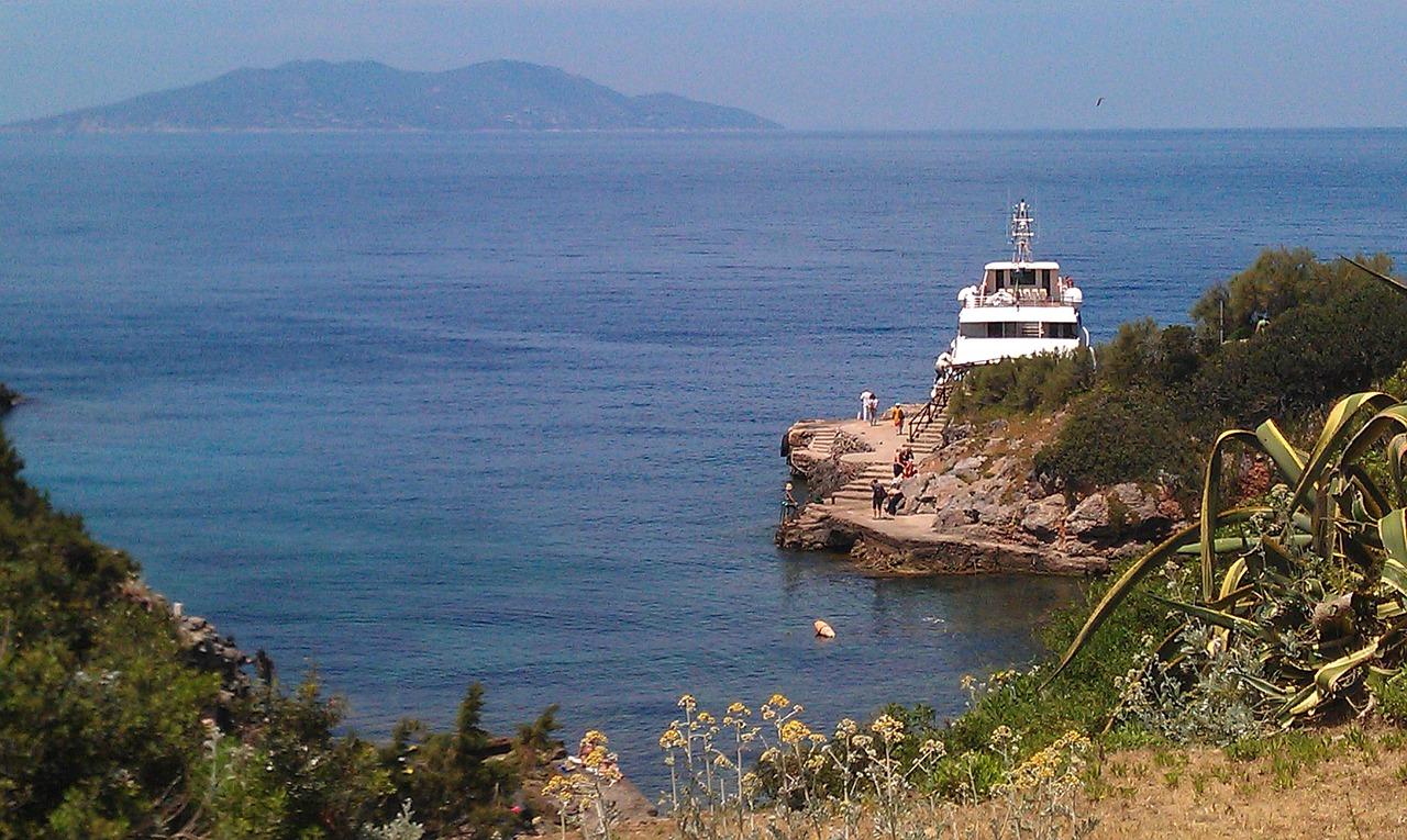 L\'isola del Giglio: un paradiso mediterraneo in miniatura — Giorni ...