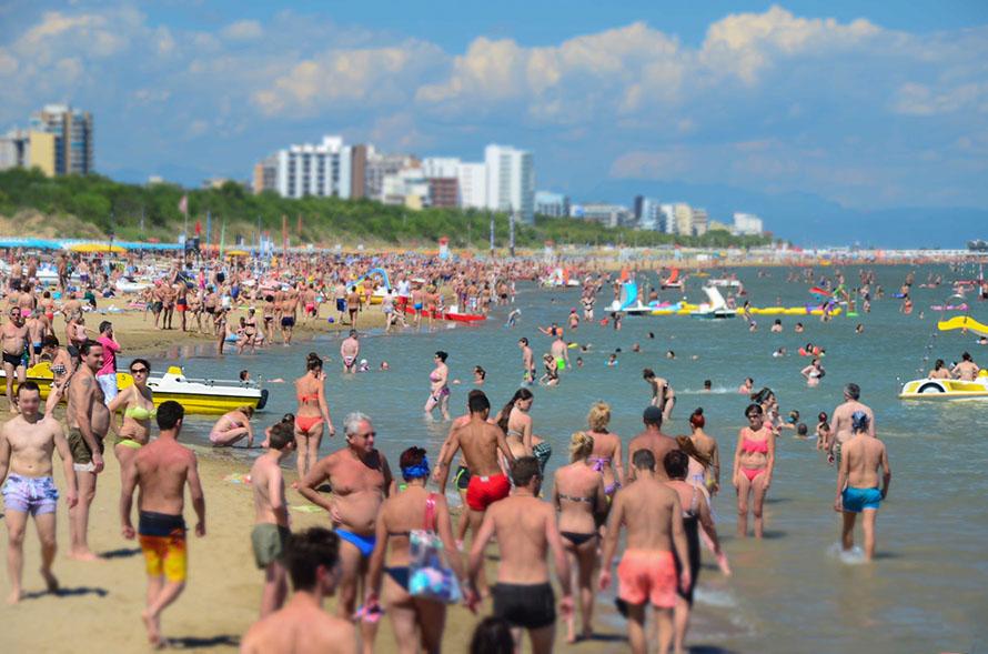 10 motivi per non viaggiare in agosto in Italia