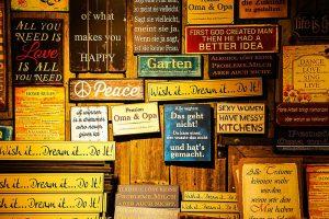 insegne con i proverbi dal mondo