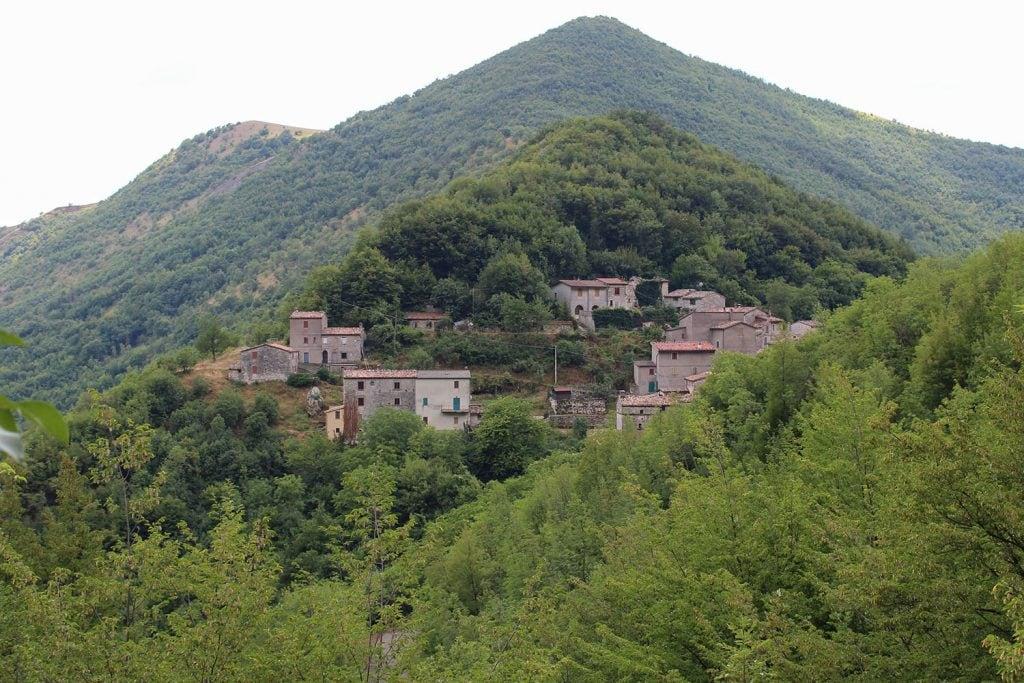 Il borgo di Pierosara