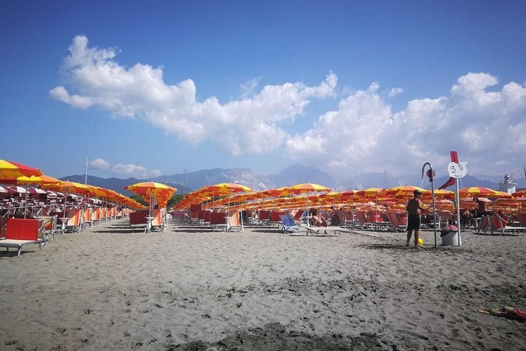 spiaggia Marina di Carrara