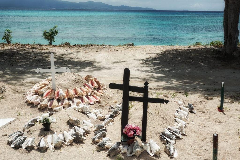 cimitero di Port Louis, tombe di conchiglie