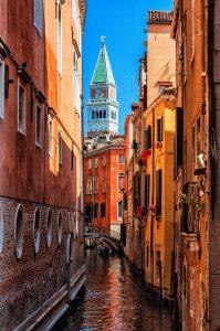 Venezia, scorci sul campanile di Piazza San marco