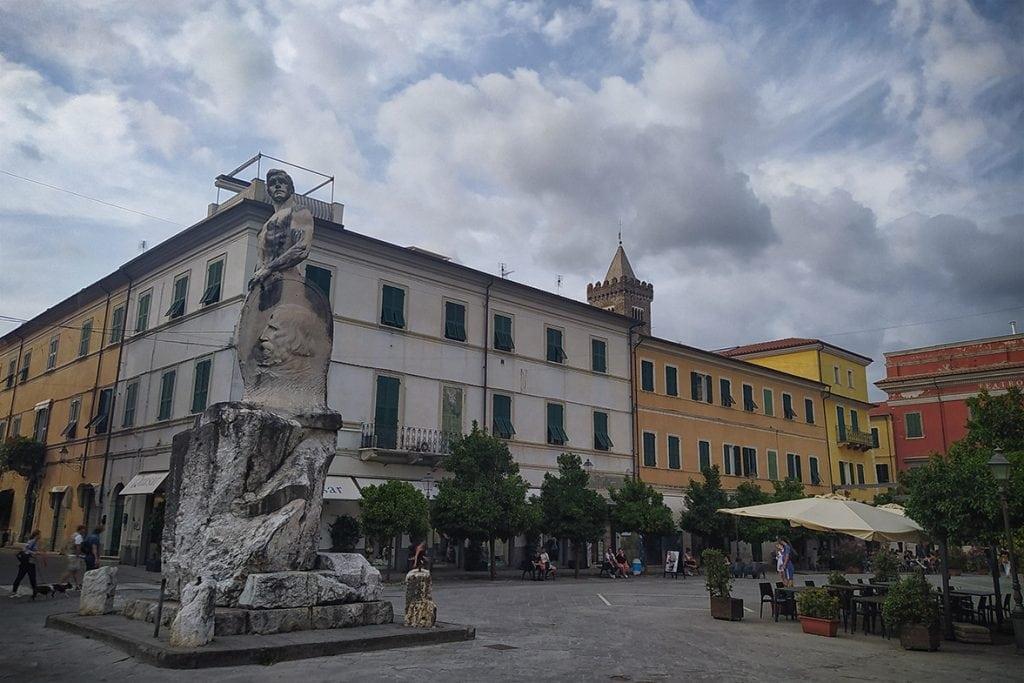 Sarzana piazza garibaldi